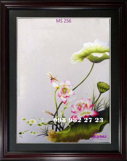 tranh thêu hoa sen 256