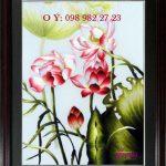 Tranh thêu hoa sen và tác dụng tuyệt vời ít được biết về loài hoa này