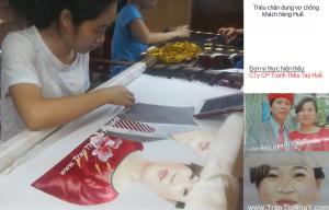 Thêu chân dung vợ chồng khách hàng ở Huế
