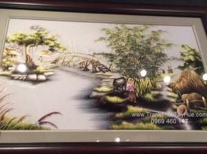 tranh thêu làng quê khách hàng ở Mỹ