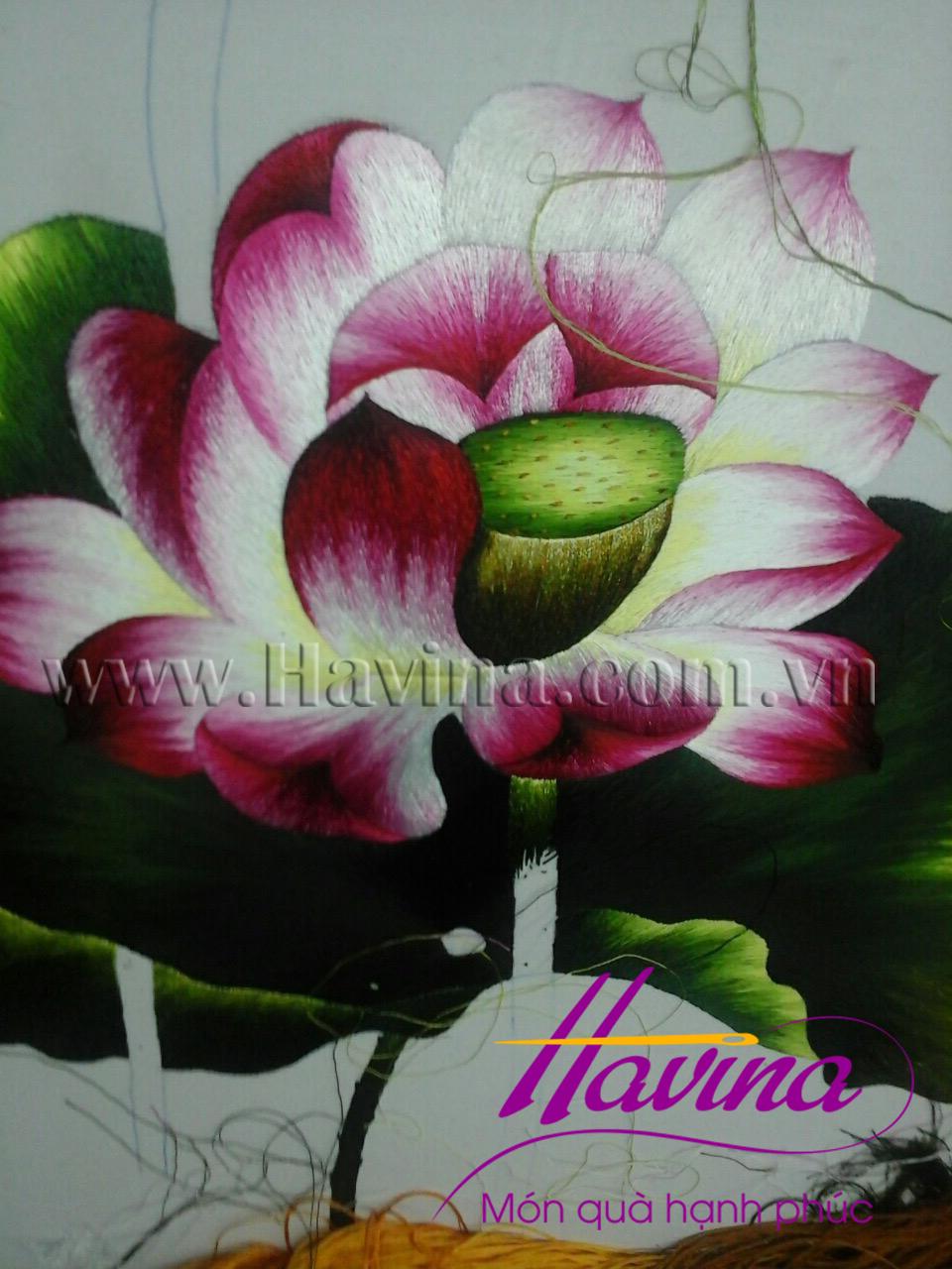tranh thêu cá chép hoa sen 05