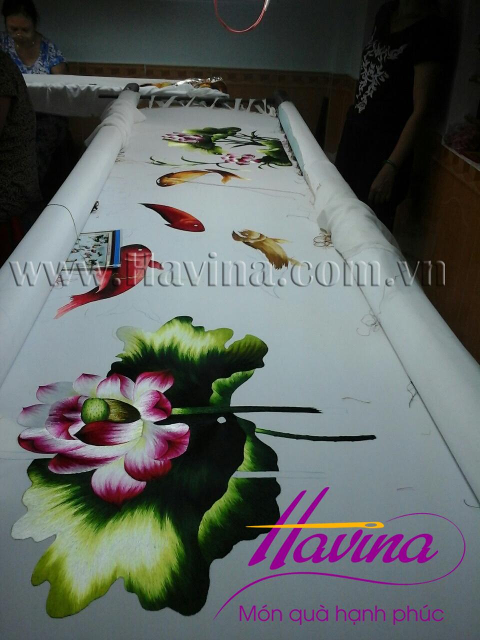 tranh thêu cá chép hoa sen 06