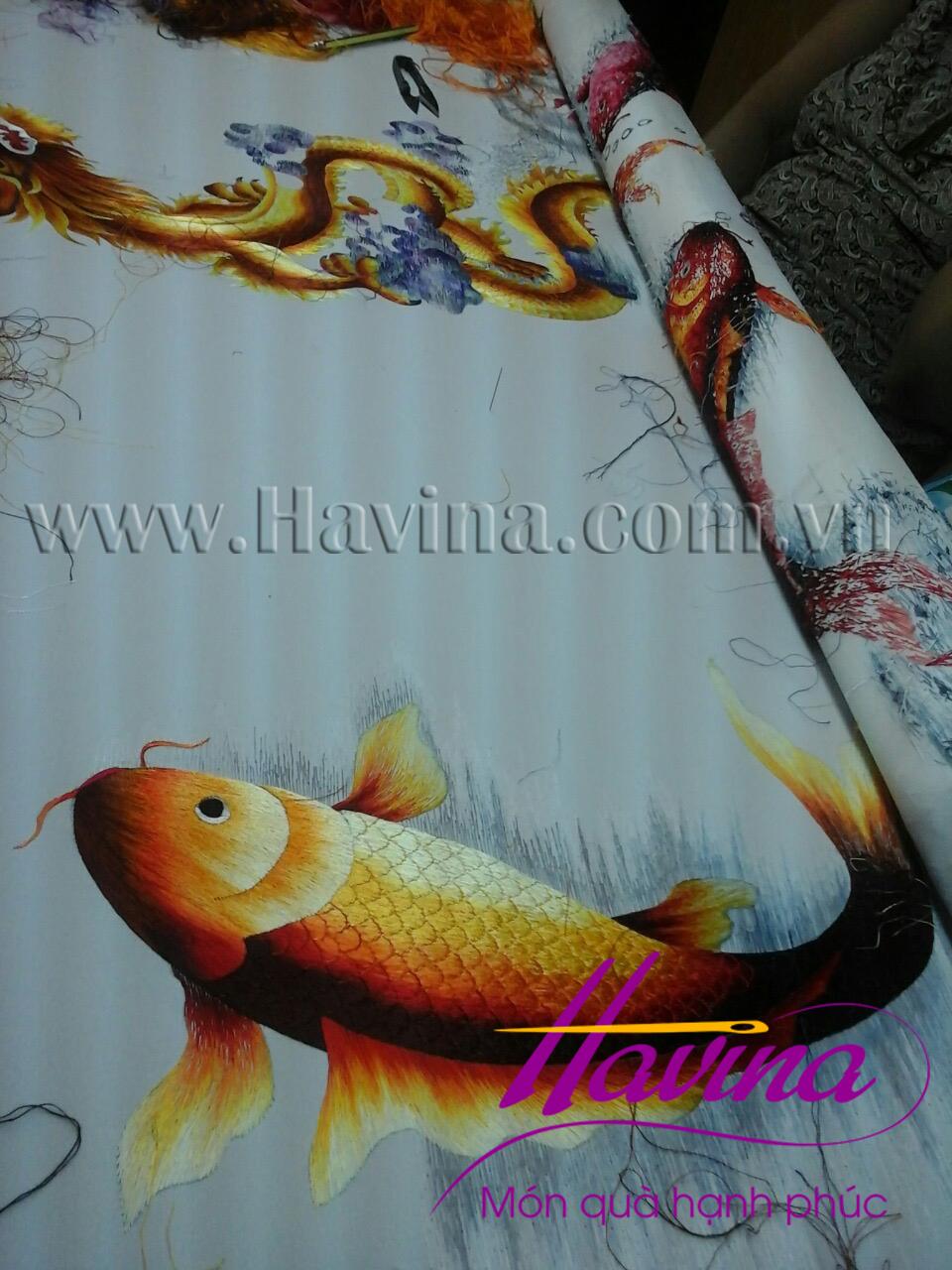 tranh thêu cá chép hoa sen 11