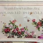 Trao tận tay anh Hiệp ở quận Long Biên, Hà Nội bức tranh thêu hoa mẫu đơn ms 199