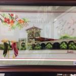 Tranh thêu chợ Bến Thành – Món quà công ty Demco Vina Việt Nam tặng đối tác