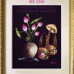 6 bức tranh thêu giỏ hoa sen được anh Thắng chọn làm quà tặng đối tác