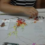 Công ty BDT đặt thêu 7 bức tranh thêu cành đào Hồ Gươm làm quà tặng đối tác