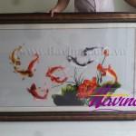 Anh Cương mua tranh thêu cá chép hoa sen MS 04 nhân chuyến về Việt Nam thăm nhà