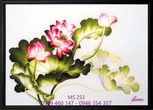 tranh thêu hoa sen 253