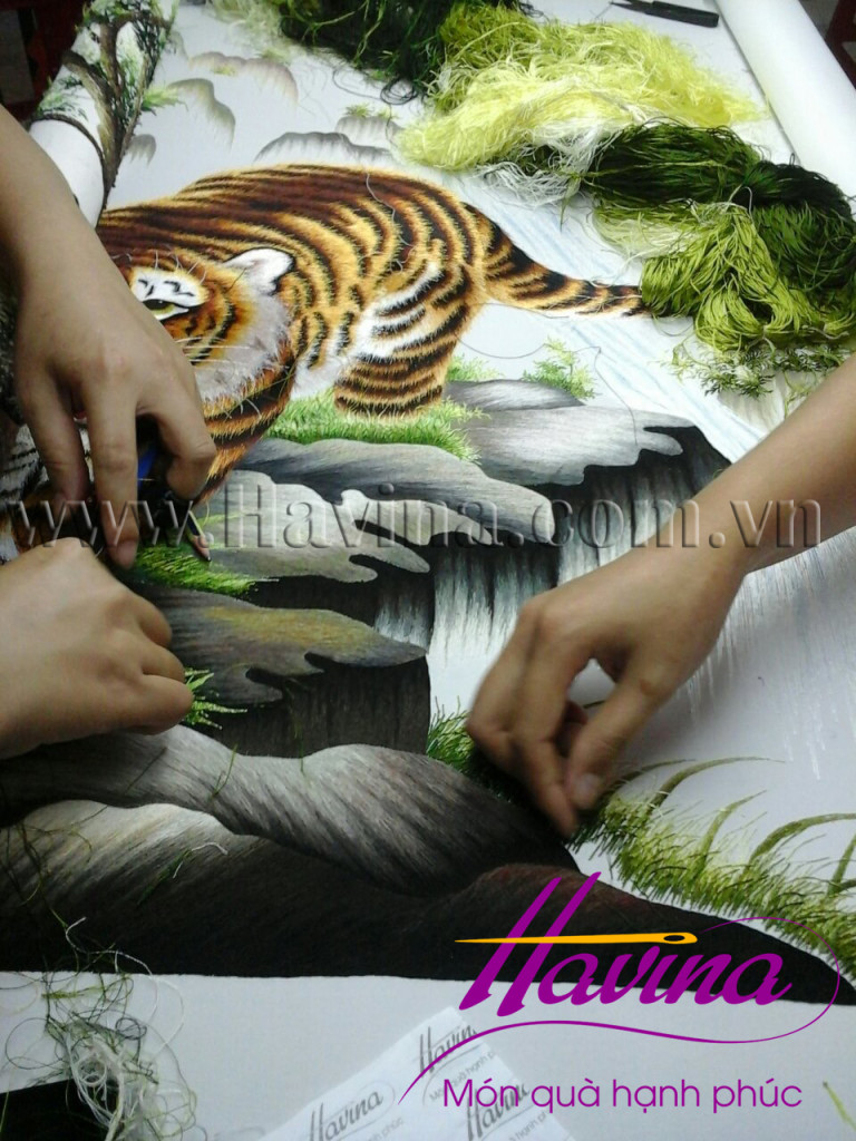 tranh thêu con hổ