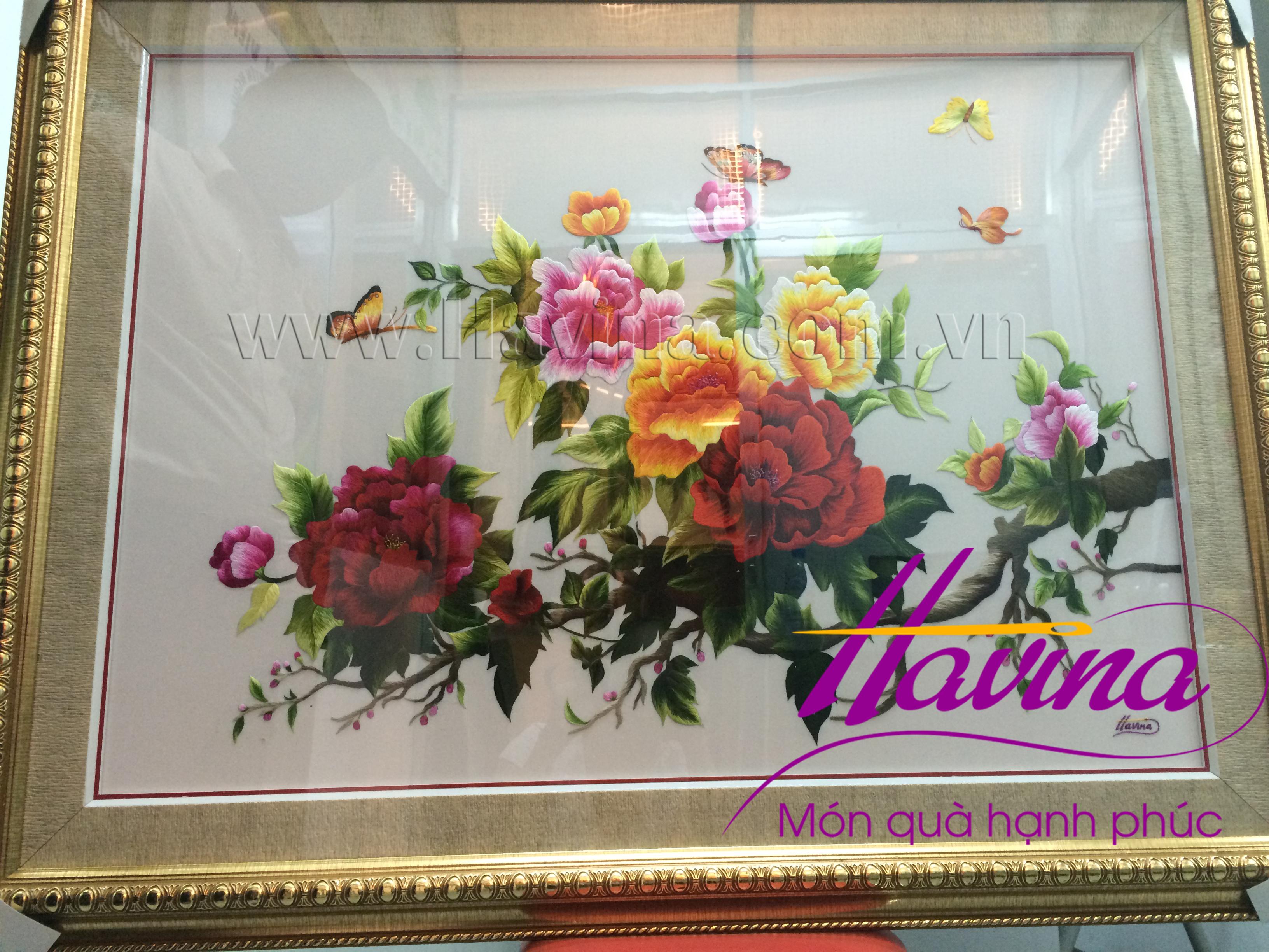 Đóng khung bức tranh thêu hoa mẫu đơn