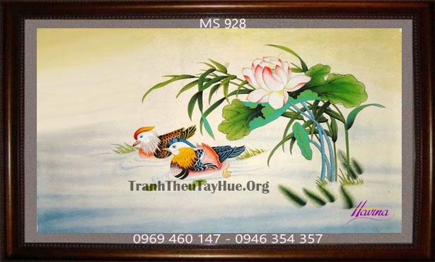 tranh-theu-dam-cuoi-928