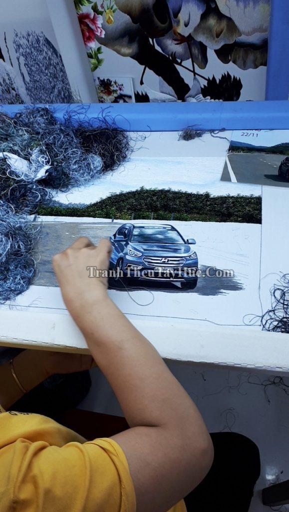tranh thêu xe hơi