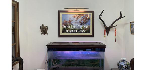 Tác phẩm tranh thêu hoa đào khoe sắc được anh Thông ở Hà Nội đặt thêu