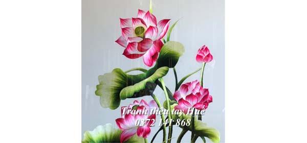 Mùa sen tháng 5 ở Huế và Những tác phẩm tranh thêu hoa sen xuất sắc